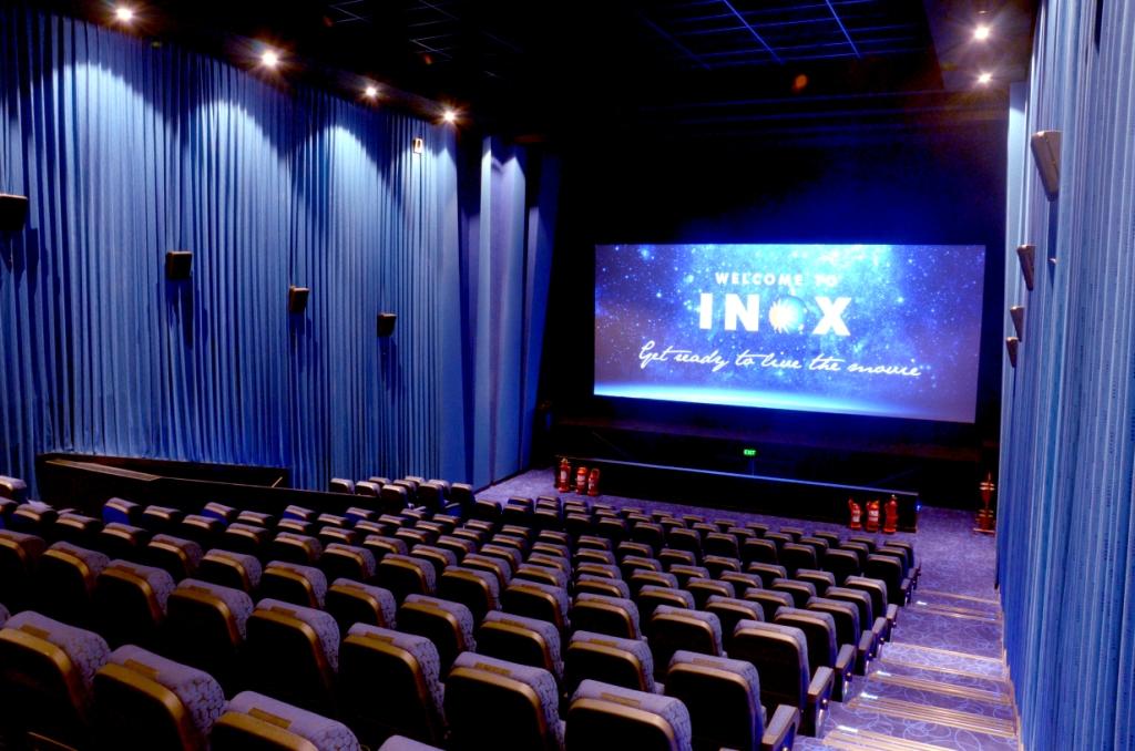 north riverside mall movie theater
